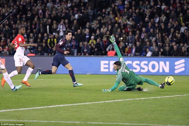 Kết quả bóng đá sáng 16/4: Man Utd dâng chức vô địch cho Man City, PSG vô địch sớm Ligue 1 - Ảnh 13.
