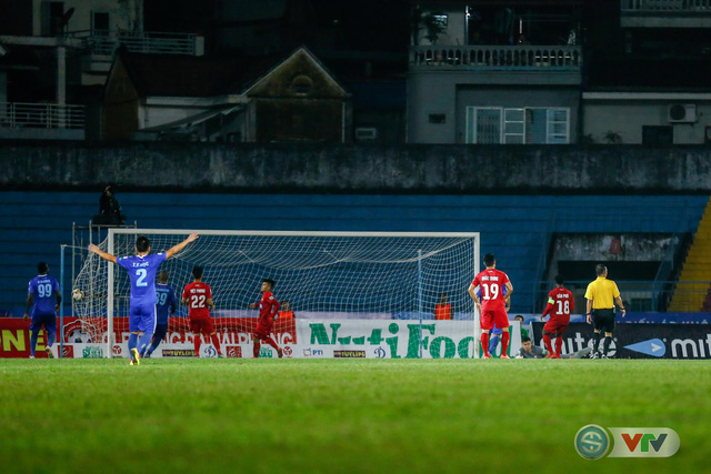 ẢNH: Hàng công kém duyên, CLB Hải Phòng chịu thất bại trước CLB Quảng Nam - Ảnh 13.