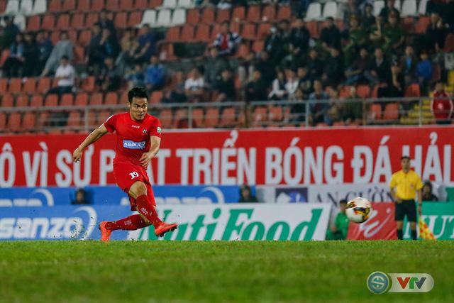 ẢNH: Hàng công kém duyên, CLB Hải Phòng chịu thất bại trước CLB Quảng Nam - Ảnh 15.