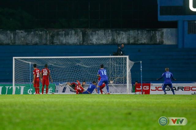ẢNH: Hàng công kém duyên, CLB Hải Phòng chịu thất bại trước CLB Quảng Nam - Ảnh 8.