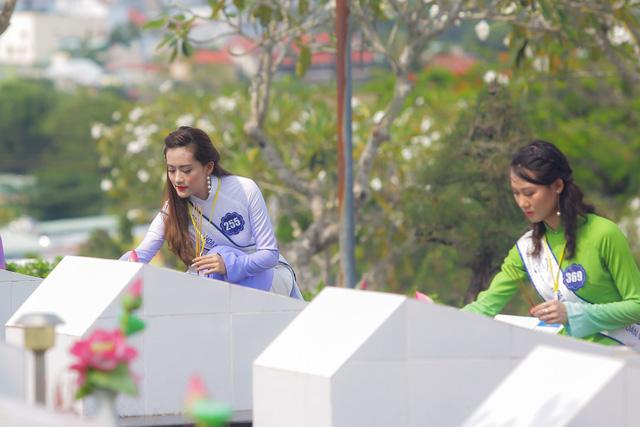 Thí sinh Hoa hậu Biển Việt Nam toàn cầu 2018 tri ân các anh hùng liệt sĩ tại Phú Quốc - Ảnh 7.