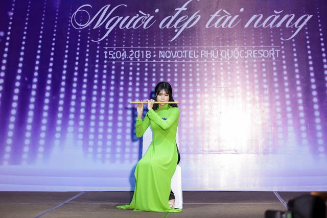 Top 40 Hoa hậu Biển Việt Nam toàn cầu 2018 nóng bỏng trong trang phục bikini, khoe tài năng đa dạng - Ảnh 7.