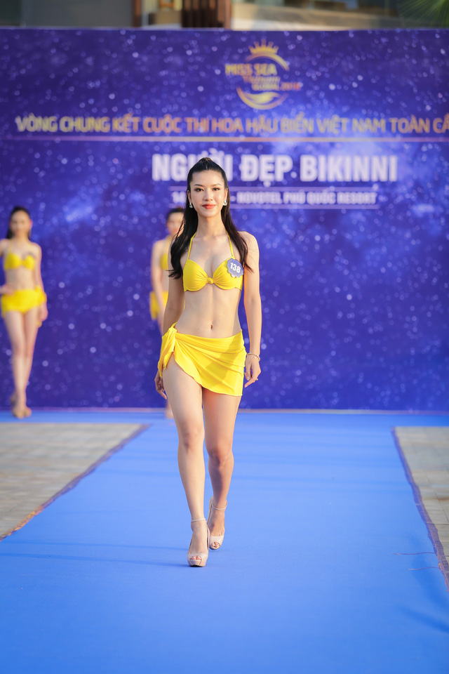 Top 40 Hoa hậu Biển Việt Nam toàn cầu 2018 nóng bỏng trong trang phục bikini, khoe tài năng đa dạng - Ảnh 3.