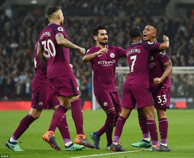 Hàng loạt kỷ lục của tân vương Ngoại hạng Anh Man City - Ảnh 1.