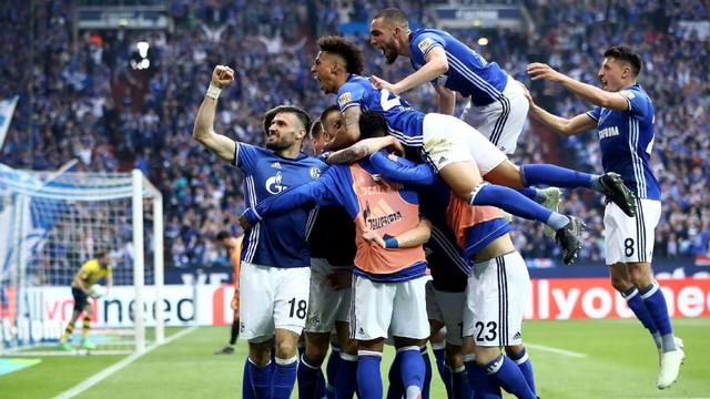 Kết quả bóng đá sáng 16/4: Man Utd dâng chức vô địch cho Man City, PSG vô địch sớm Ligue 1 - Ảnh 11.