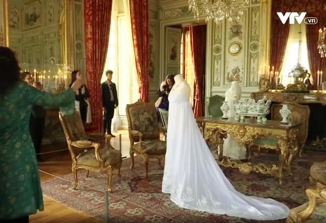 Triển lãm những chiếc váy cưới sống mãi với thời gian - ảnh 1
