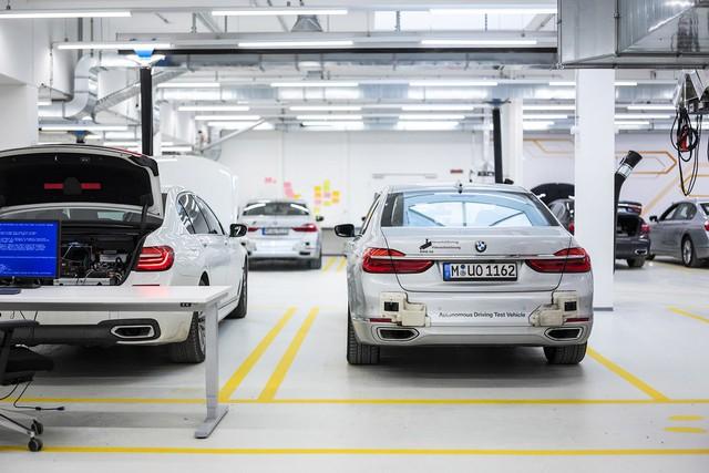 BMW mở trung tâm nghiên cứu xe tự lái tại Đức - Ảnh 1.