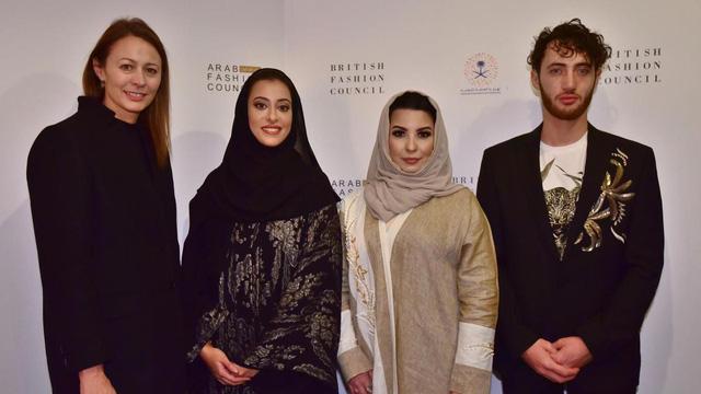Tuần lễ thời trang đầu tiên tại Saudi Arabia - Ảnh 3.