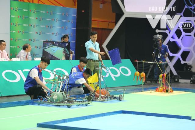 Robocon Việt Nam 2018: Nhiều kỷ lục được xác lập trong ngày thi đấu đầu tiên - Ảnh 2.