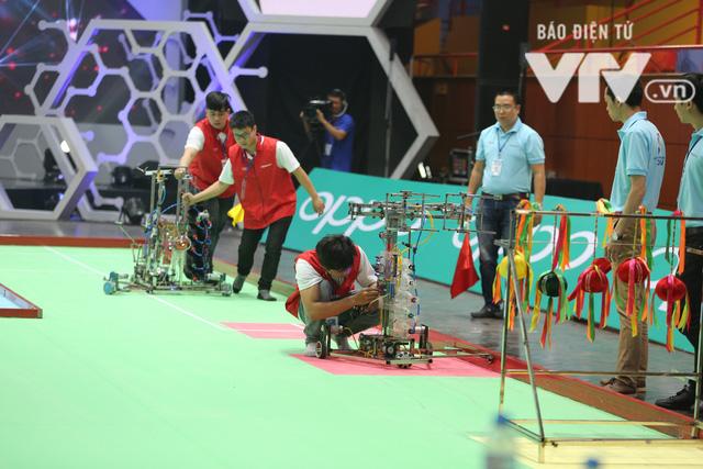 Robocon Việt Nam 2018: Nhiều kỷ lục được xác lập trong ngày thi đấu đầu tiên - Ảnh 3.