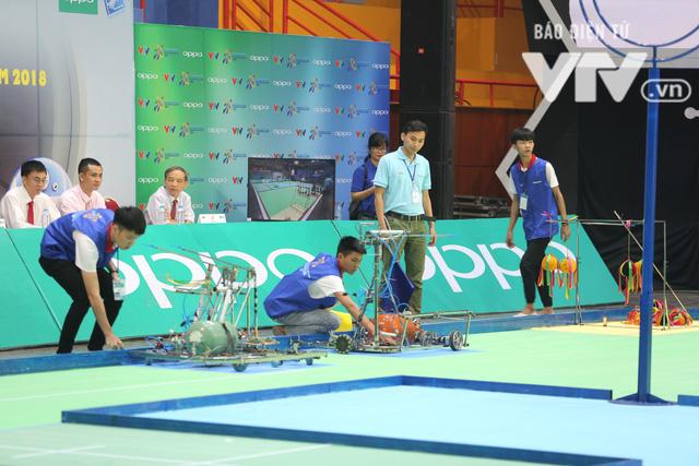 Robocon Việt Nam 2018: Nhiều kỷ lục được xác lập trong ngày thi đấu đầu tiên - Ảnh 4.