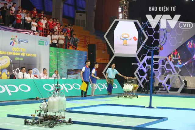Robocon Việt Nam 2018: Nhiều kỷ lục được xác lập trong ngày thi đấu đầu tiên - Ảnh 11.