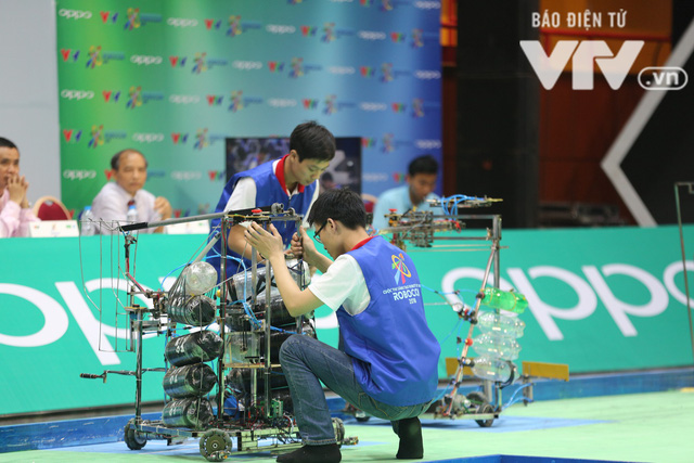 Robocon Việt Nam 2018: Nhiều kỷ lục được xác lập trong ngày thi đấu đầu tiên - Ảnh 23.