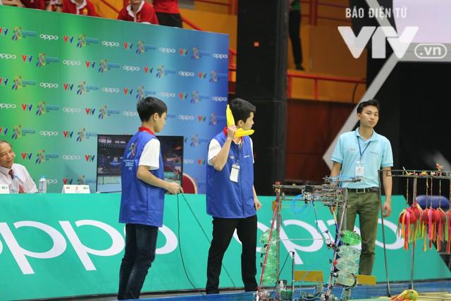 Robocon Việt Nam 2018: Nhiều kỷ lục được xác lập trong ngày thi đấu đầu tiên - Ảnh 25.