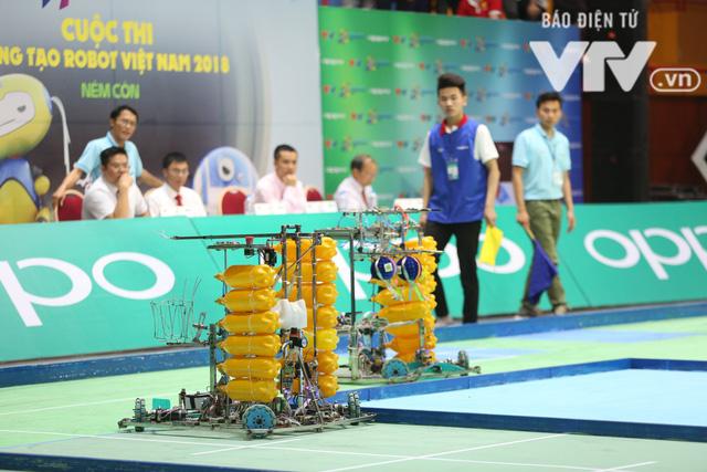 Robocon Việt Nam 2018: Nhiều kỷ lục được xác lập trong ngày thi đấu đầu tiên - Ảnh 26.
