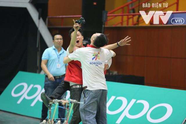Robocon Việt Nam 2018: Nhiều kỷ lục được xác lập trong ngày thi đấu đầu tiên - Ảnh 29.