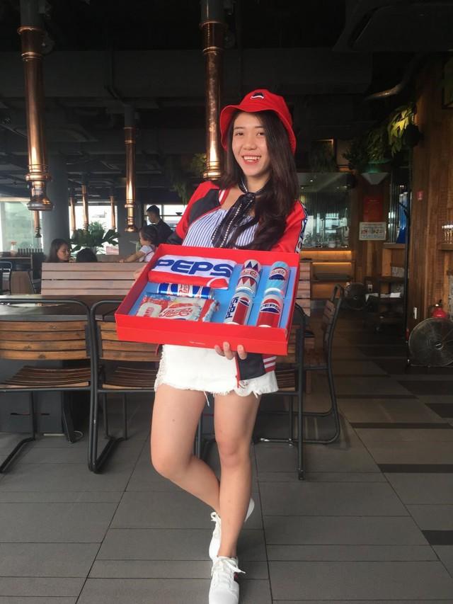 """""""Lật tung"""" cả Hà Nội vì hộp quà chất Pepsi - Ảnh 3."""