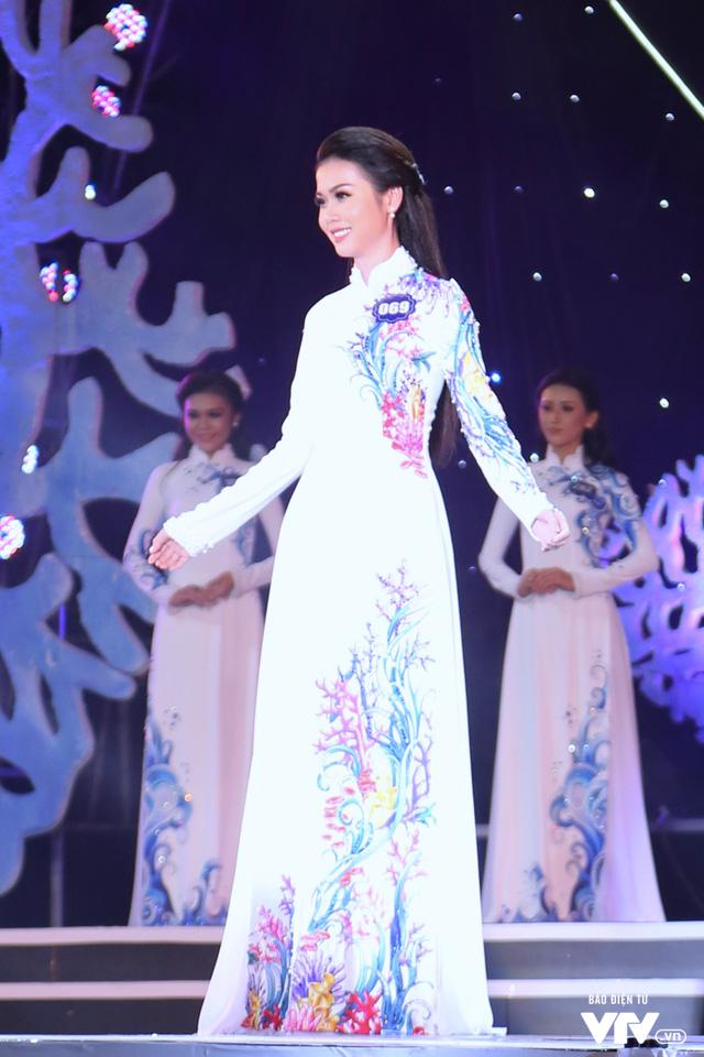 Những hình ảnh ấn tượng đêm Chung kết Hoa hậu Biển Việt Nam toàn cầu 2018 - Ảnh 8.