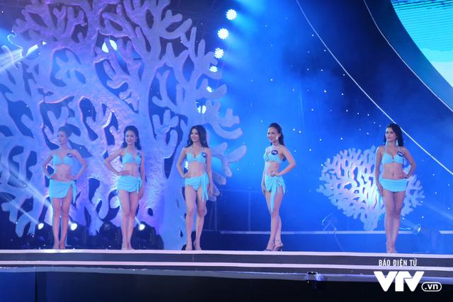 Những hình ảnh ấn tượng đêm Chung kết Hoa hậu Biển Việt Nam toàn cầu 2018 - Ảnh 9.