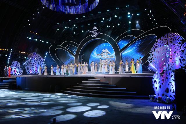 Những hình ảnh ấn tượng đêm Chung kết Hoa hậu Biển Việt Nam toàn cầu 2018 - Ảnh 16.