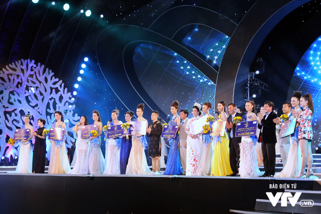 Những hình ảnh ấn tượng đêm Chung kết Hoa hậu Biển Việt Nam toàn cầu 2018 - Ảnh 17.