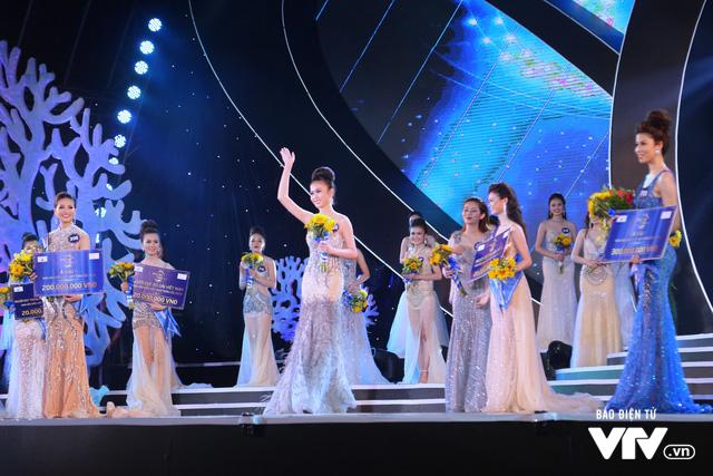 Những hình ảnh ấn tượng đêm Chung kết Hoa hậu Biển Việt Nam toàn cầu 2018 - Ảnh 18.