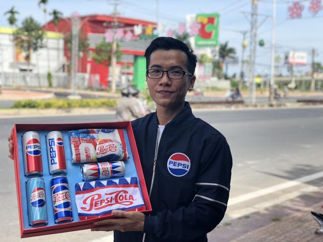 Giới trẻ Cần Thơ sôi sục vì quà chất Pepsi - Ảnh 3.