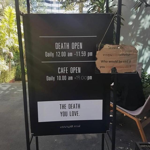 Quán cà phê trải nghiệm… chết thử ở Thái Lan - Ảnh 2.