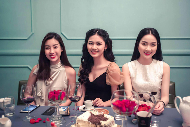 Sinh nhật ấm áp của Á hậu Ngô Thanh Tú - Ảnh 3.