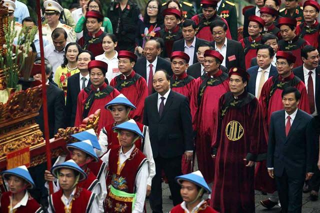 Giỗ tổ Hùng Vương: Thủ tướng dâng hương tưởng niệm các vua Hùng - ảnh 7