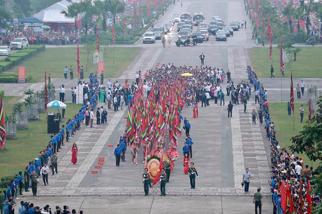 Giỗ tổ Hùng Vương: Thủ tướng dâng hương tưởng niệm các vua Hùng - ảnh 1