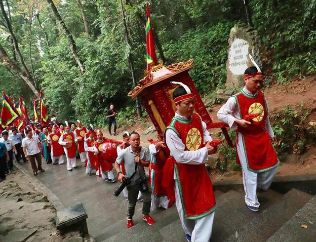 Giỗ tổ Hùng Vương: Thủ tướng dâng hương tưởng niệm các vua Hùng - ảnh 6