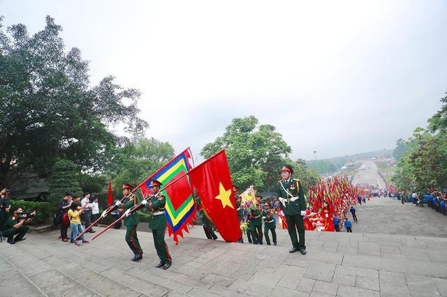 Giỗ tổ Hùng Vương: Thủ tướng dâng hương tưởng niệm các vua Hùng - ảnh 2