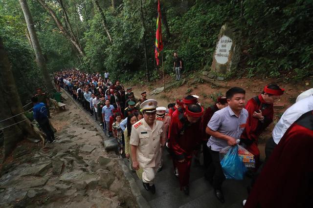 Giỗ tổ Hùng Vương: Thủ tướng dâng hương tưởng niệm các vua Hùng - ảnh 8