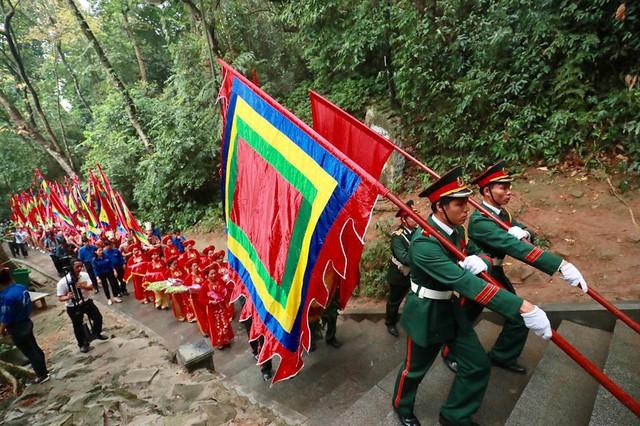 Giỗ tổ Hùng Vương: Thủ tướng dâng hương tưởng niệm các vua Hùng - ảnh 5