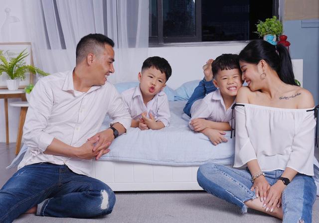 MC Hoàng Linh khoe bộ ảnh gia đình cực đáng yêu - Ảnh 5.