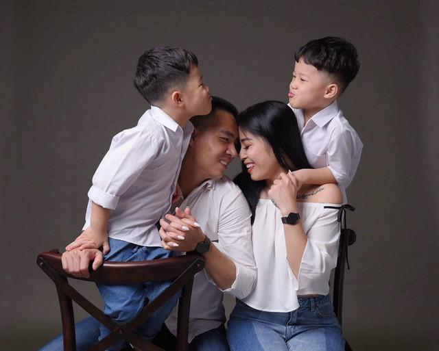 MC Hoàng Linh khoe bộ ảnh gia đình cực đáng yêu - Ảnh 7.