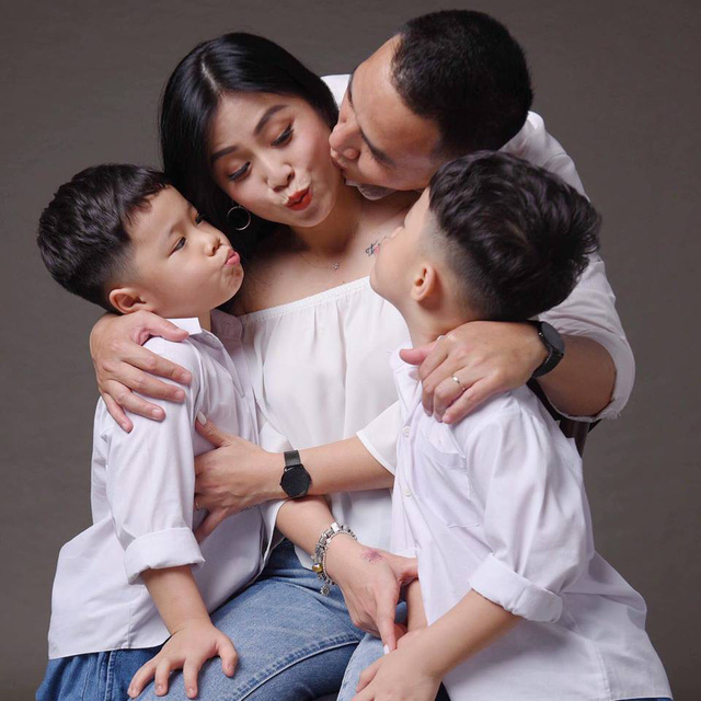 MC Hoàng Linh khoe bộ ảnh gia đình cực đáng yêu - Ảnh 8.