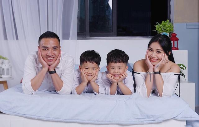 MC Hoàng Linh khoe bộ ảnh gia đình cực đáng yêu - Ảnh 10.