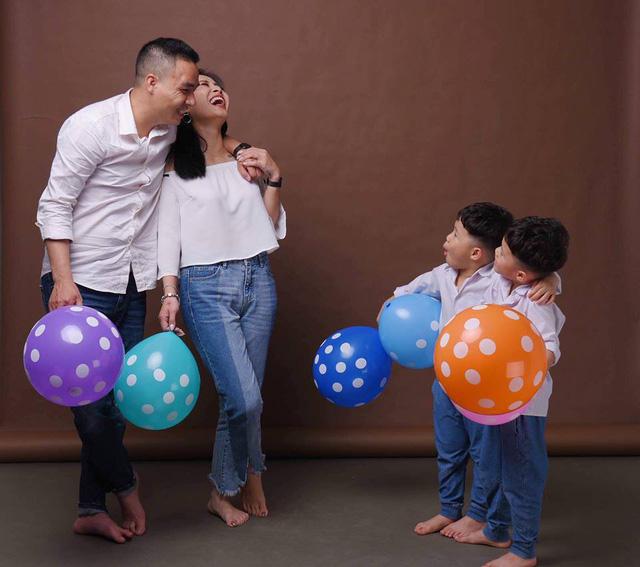 MC Hoàng Linh khoe bộ ảnh gia đình cực đáng yêu - Ảnh 12.