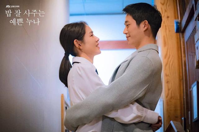 Jung Hae In và Son Ye Jin: Chẳng có gì hạnh phúc hơn khi được đóng cùng nhau - Ảnh 2.