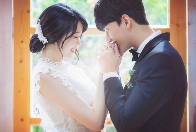 """Những sao Hàn từng """"gây sốc"""" khi bất ngờ tuyên bố kết hôn - Ảnh 6."""