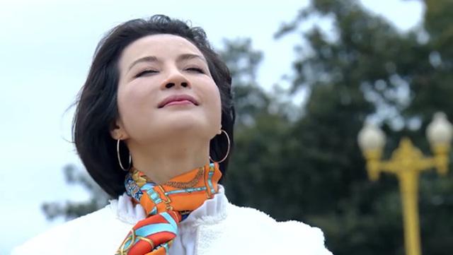 Tình khúc Bạch Dương - Tập 19: Sau nhiều ngày thậm thụt liên lạc, Quyên đã sang Nga gặp Hùng - Ảnh 2.