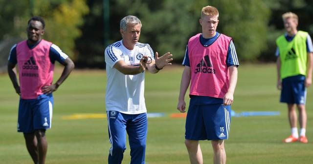 """De Bruyne muốn """"nói một lần cho xong"""" với Mourinho - Ảnh 1."""