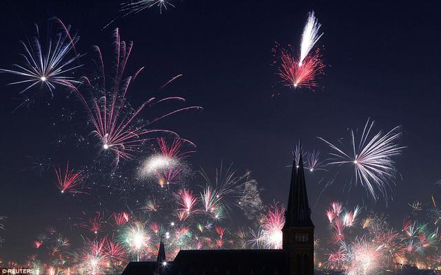 Những hình ảnh tuyệt đẹp tại các quốc gia chào đón năm mới 2018 - Ảnh 13.