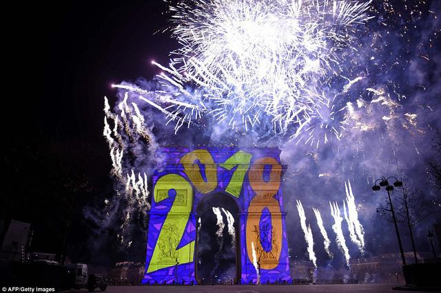 Những hình ảnh tuyệt đẹp tại các quốc gia chào đón năm mới 2018 - Ảnh 9.