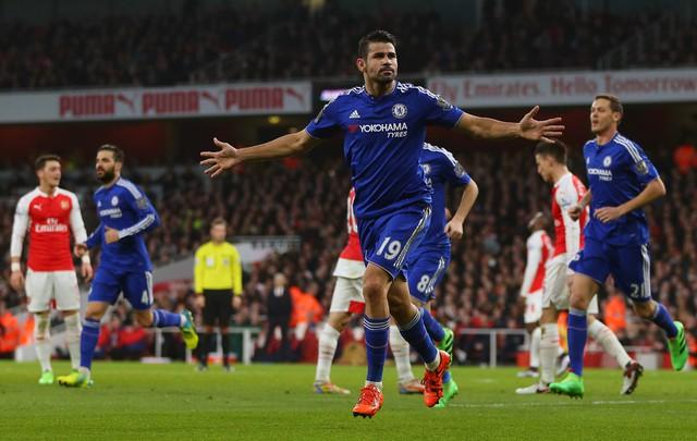 ẢNH: Nhìn lại 10 trận đấu giữa Arsenal và Chelsea - Ảnh 5.