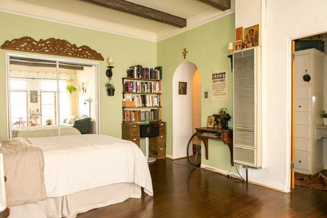 Tạo điểm nhấn cho căn nhà 50 m2 bằng nét cổ điển nhẹ nhàng - Ảnh 5.