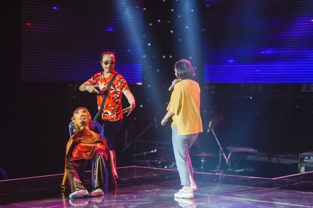 Chung kết Sing My Song: Học trò Lê Minh Sơn cõng chồng lên sân khấu - Ảnh 5.