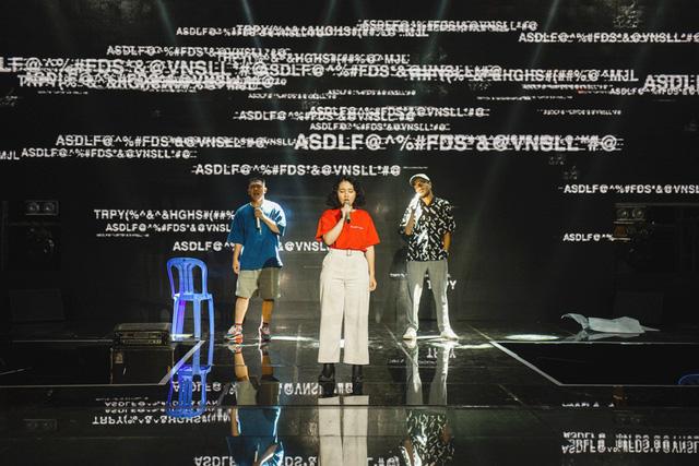 Chung kết Sing My Song: Học trò Lê Minh Sơn cõng chồng lên sân khấu - Ảnh 3.